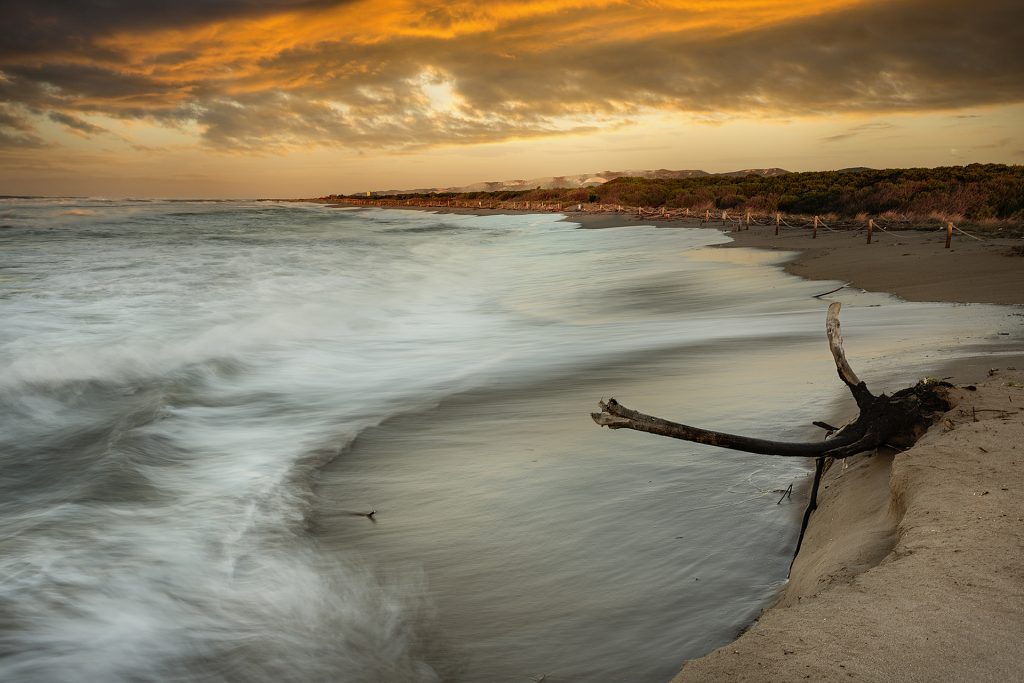 Primer Premi - Desperfectos en la playa. Pepi Martín Calero